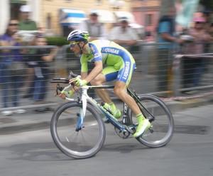 Ivan Basso in azione - Foto Descalzo N.